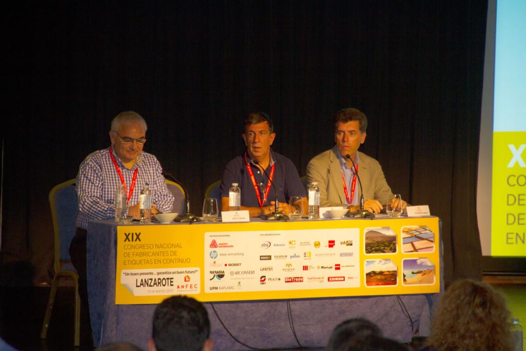 Jesús Alarcón, José Ramón Benito y Alejandro García, en la primera sesión de conferencias del XIX Congreso ANFEC.